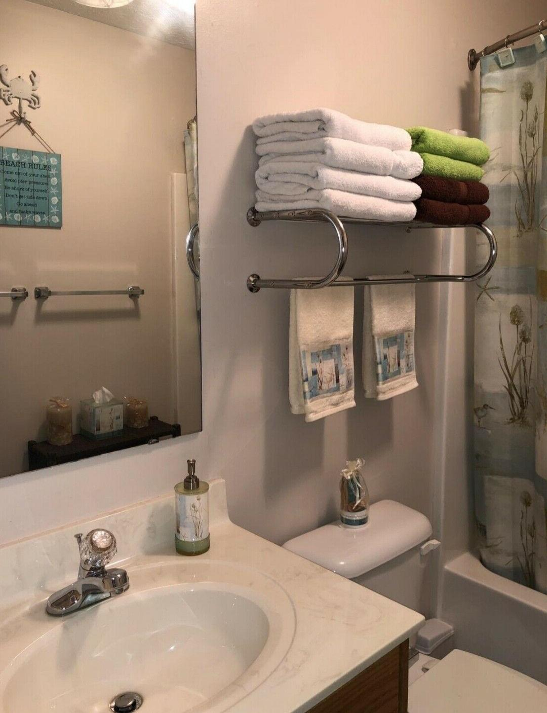 Bathroom Towel Rack with Towel Wall Finish